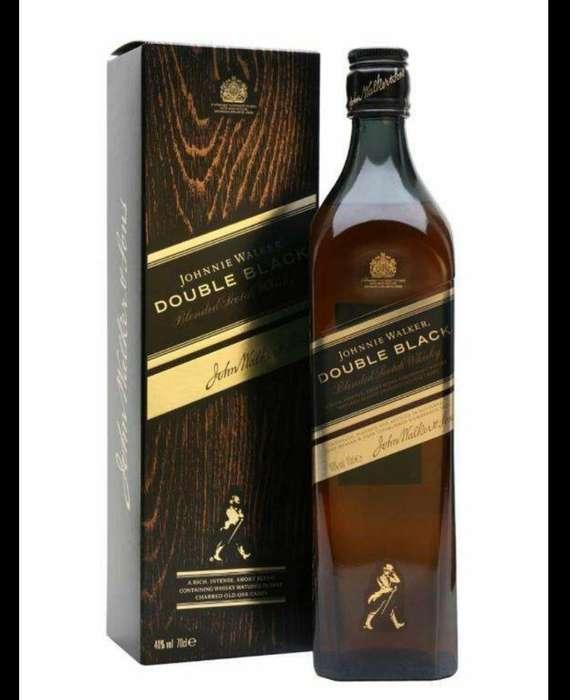 Johnnie Walker Double Black con Estuche