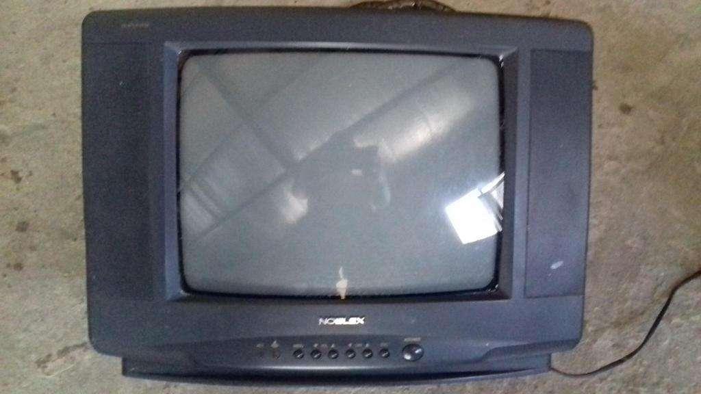 Dos Televisores de 14