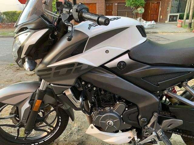 <strong>moto</strong> ROUSER BAJAJ NS 200 Impecable poco uso.