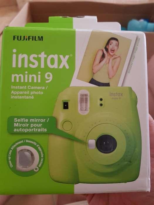 Cámara Instax Mini 9 (totalmente Nueva!)