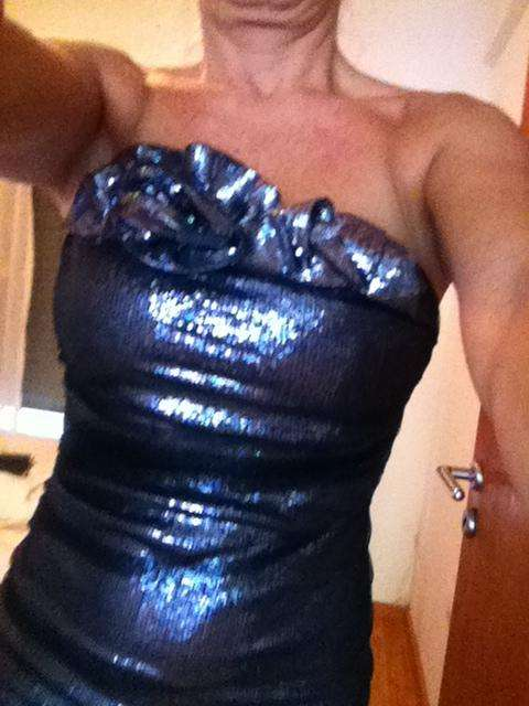vestido largo fiesta strapless laminado en azul