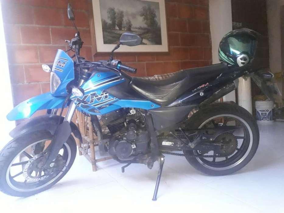 Vendo Moto Akt Xm180