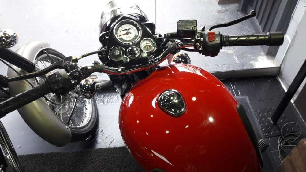 Clasica Royal Enfield