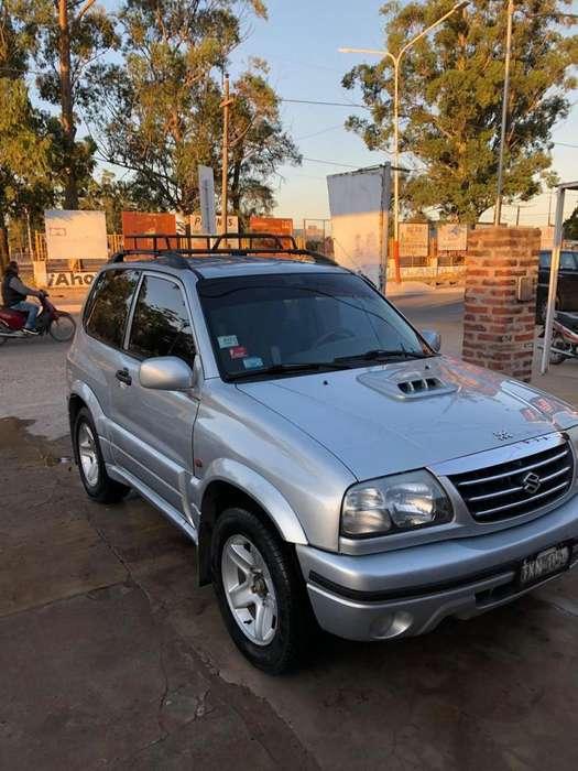 Suzuki Grand Vitara 2009 - 180000 km