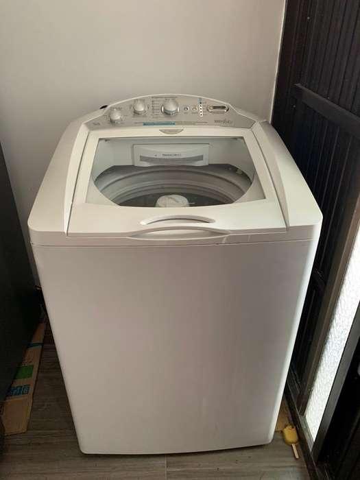 Vendo lavadora Mabe 32lb