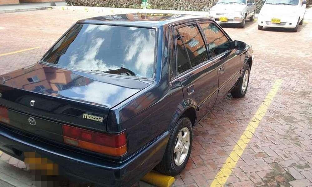 Mazda 323 1999 - 160000 km