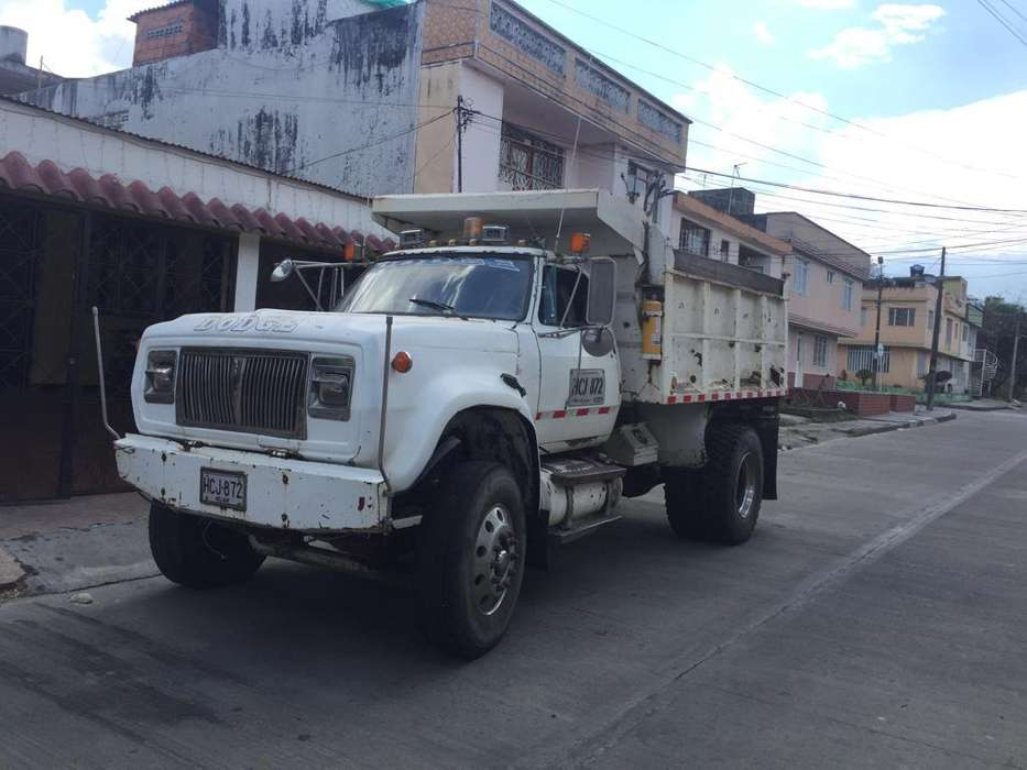 Volqueta Dodge 70 Motor Caterpillar