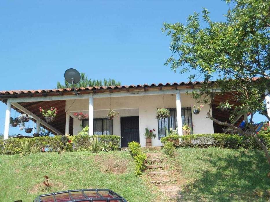 Venpermuto <strong>casa</strong> Buena ubicación