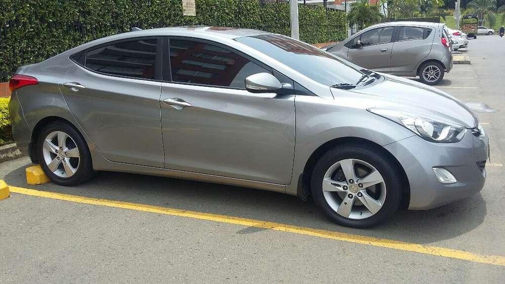 Hyundai Elantra 2012 - 90000 km