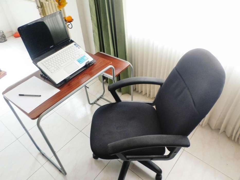 Mesa escritorio dos niveles porta teclado