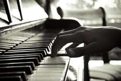 Guitarra/piano/canto MES 1000