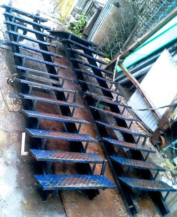 escalera reforzada.larguero doble T 14.escalon Ch.estampada