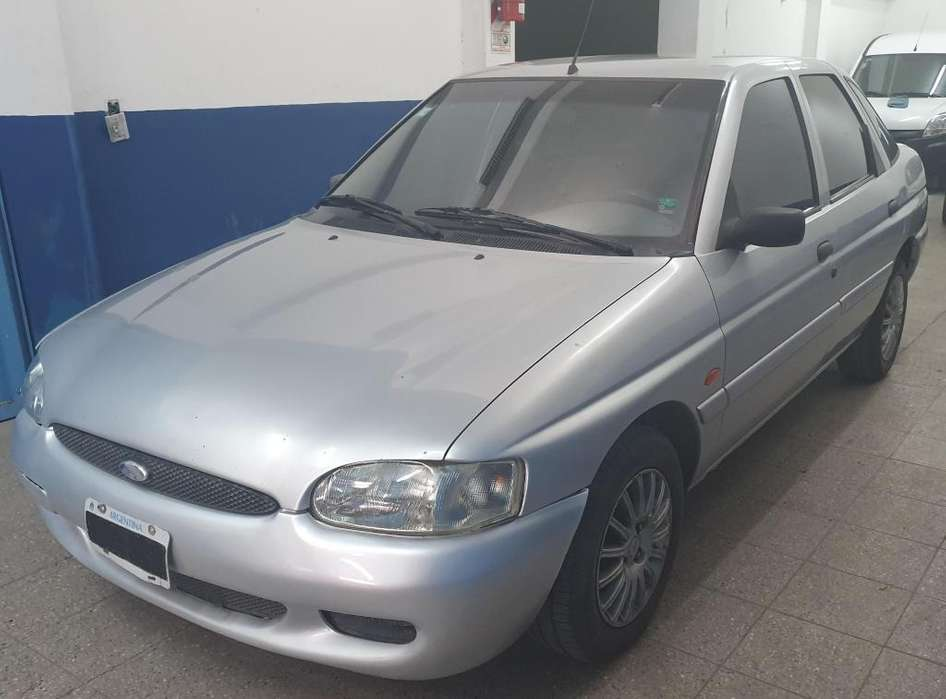 Ford Escort 2002 - 200000 km