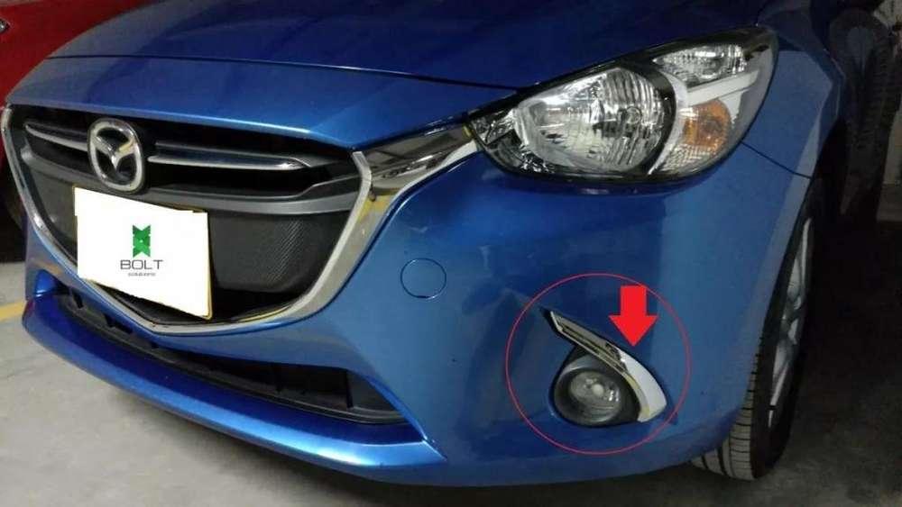 <strong>accesorios</strong> Cromados Exploradoras boceles Mazda 2 Skyactive