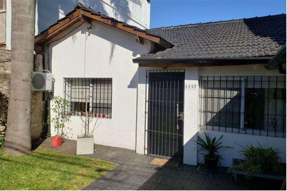 Casa 4 ambientes Jardín y Quincho