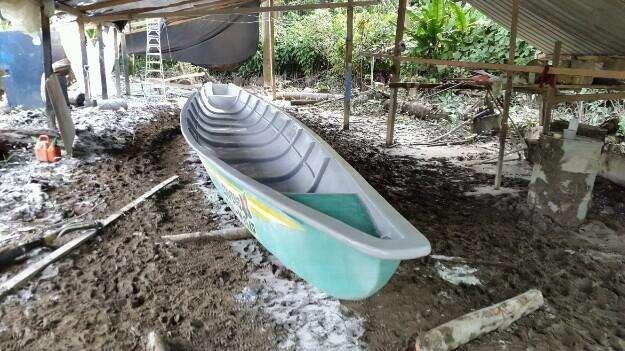 Canoa de fibra de todo tamano....