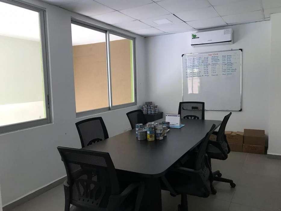 Se alquila oficina en Manta en edificio