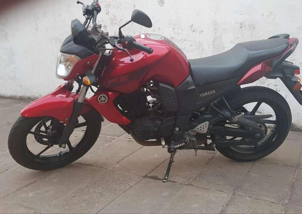 <strong>moto</strong> Fz