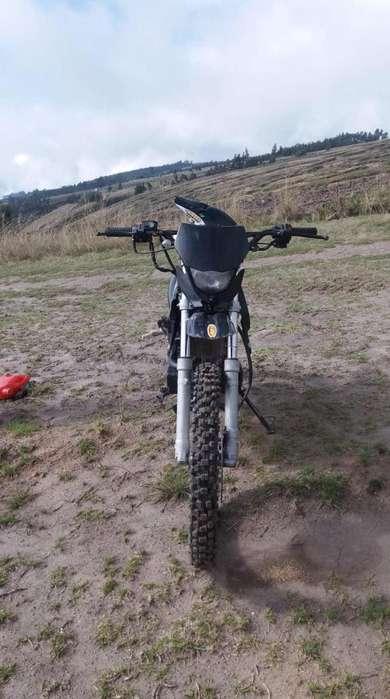 MOTO LONCIN PARA CAMPO 200cc