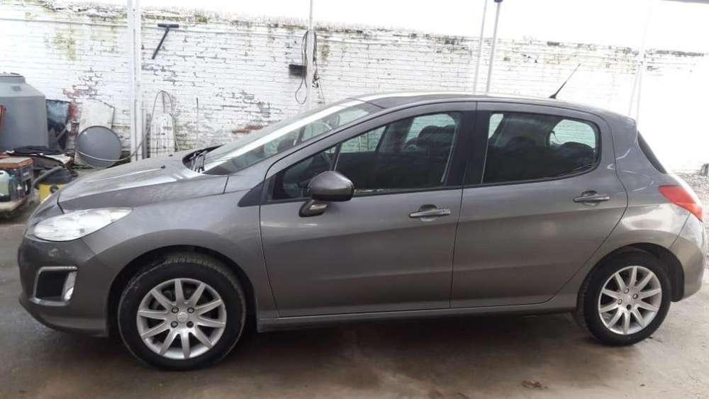 Peugeot 308 2013 - 71000 km