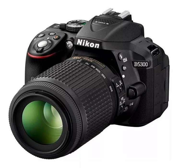 Cámara Nikon D5300 Como Nueva