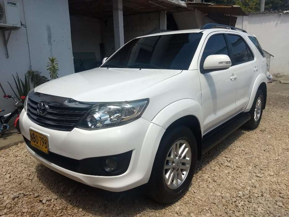 <strong>toyota</strong> Fortuner 2013 - 83000 km