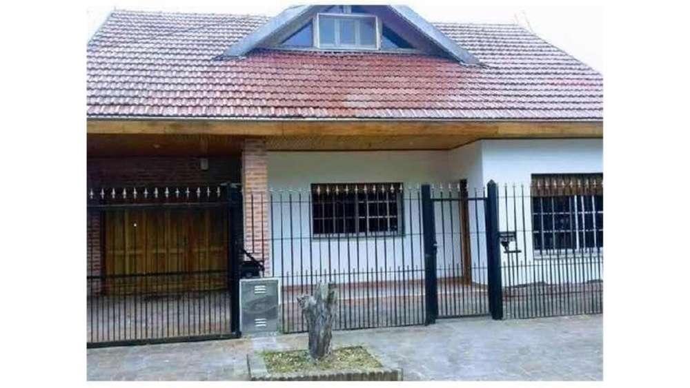 Mariano Azpeleta 2800 - UD 392.000 - Casa en Venta