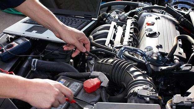 Ayudante en Mecánica Automotriz