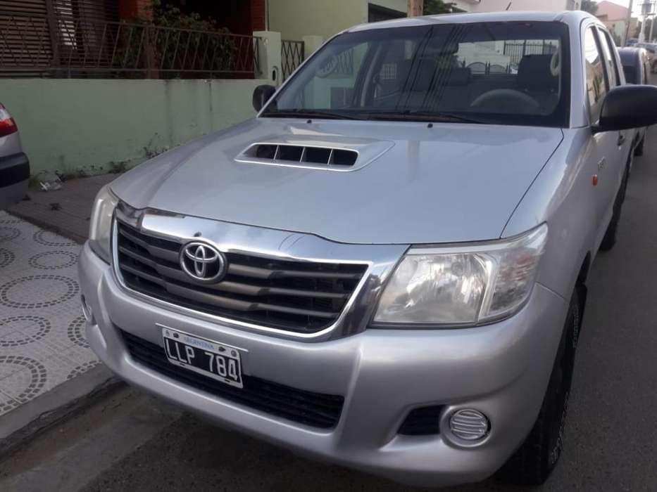 Toyota Hilux 2012 - 216000 km