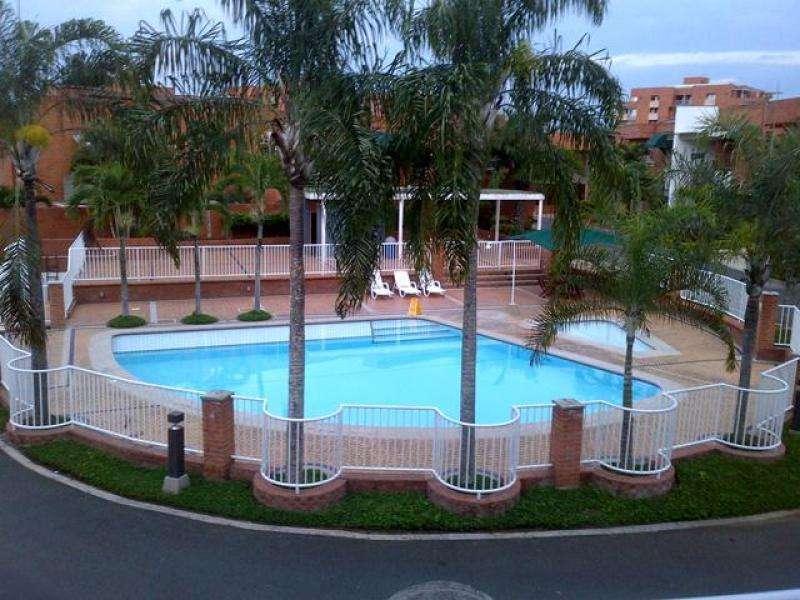 Casa Condominio En Venta En Cali Los Jockeys Cod. VBSBI10204