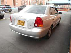 HIUNDAY ACCENT  GYRO GLS CON AIRE DVD