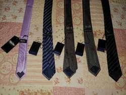 Corbatas Originales Basement Mossino