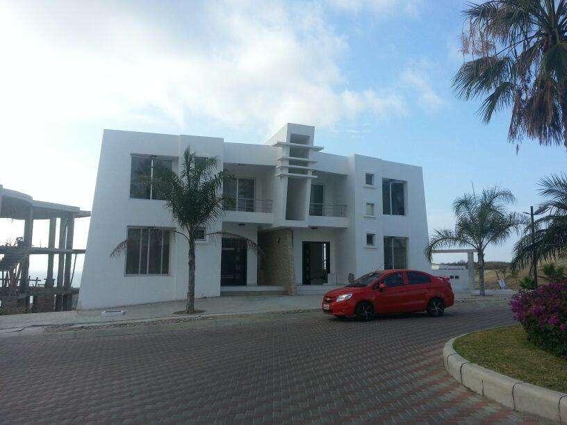 casa de alquiler dentro de urbanización de Manta