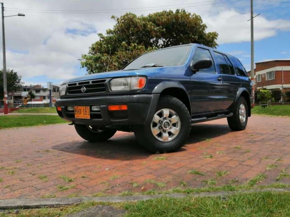Nissan Pathfinder 1997 - 160000 km