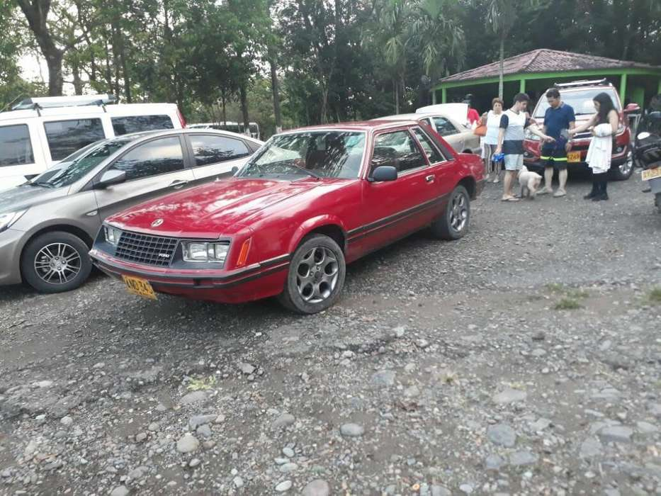 Ford Mustang 1980 - 30000 km
