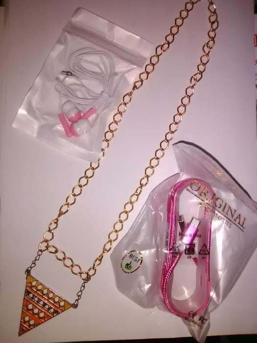 Collar de Regalo Cable Usb Y Auricular