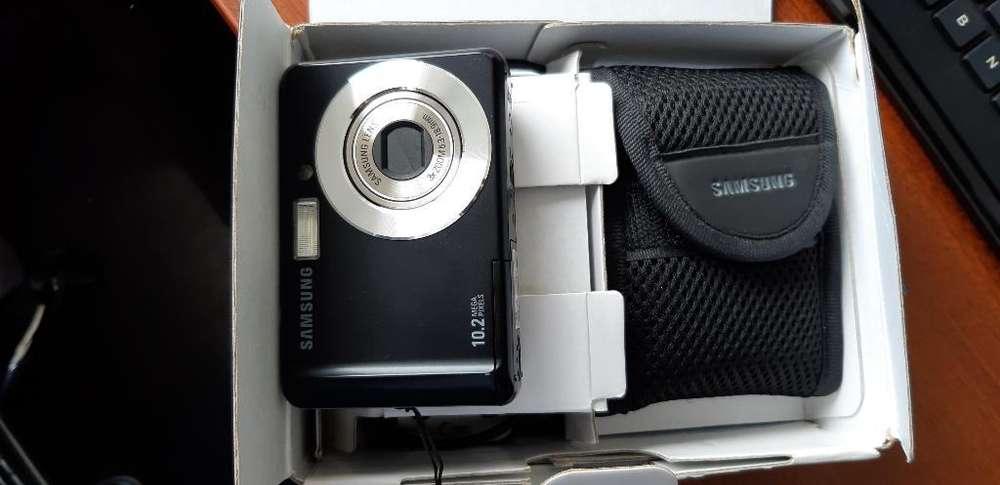 Camara Digital 10.2 Mp Samsung Nueva sd memory 2 gb