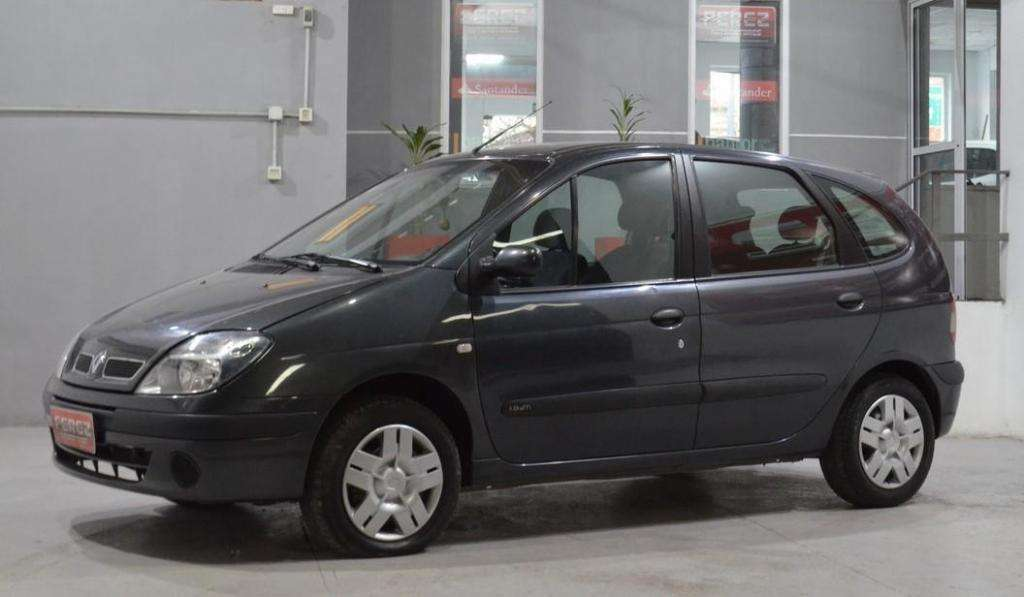 Renault Scenic 1.9 turbo diesel 2007 color gris oscuro
