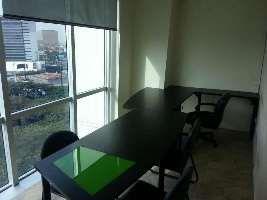 Oficina de Venta Edificio Blue Tower, 46 mts vista Av. Francisco Orellana
