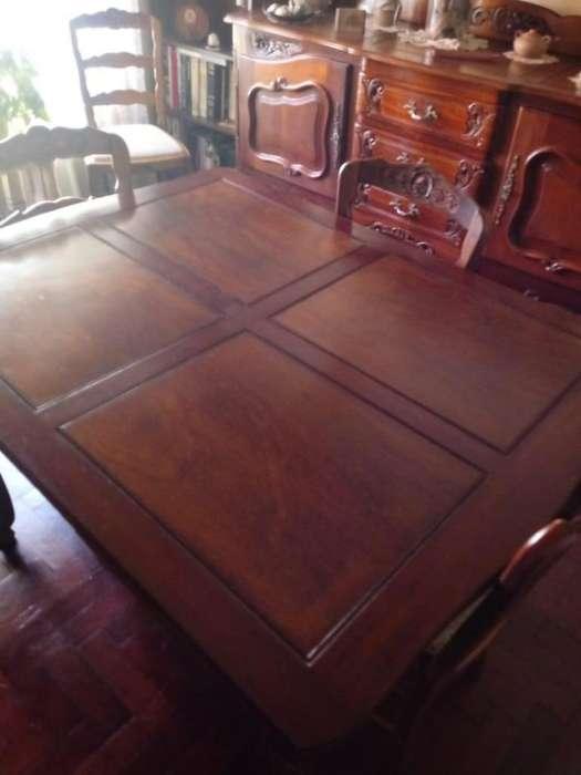 Mesa Antigua estilo Frances