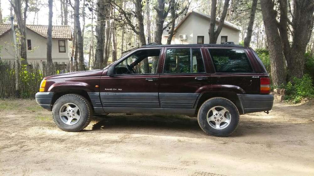 JEEP GRAND CHEROKEE 1998 - 285000 km