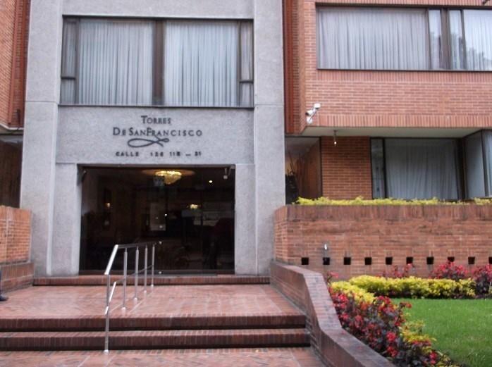 APARTAESTUDIO AMOBLADO 43-00096