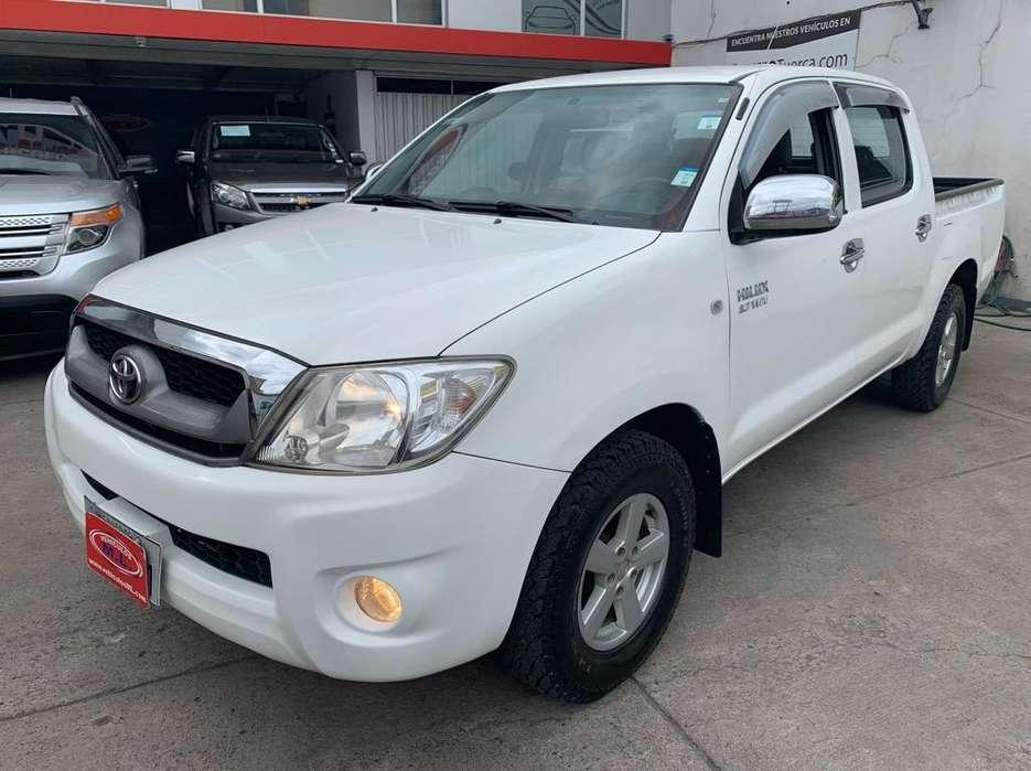 Toyota Hilux 2012 - 93653 km