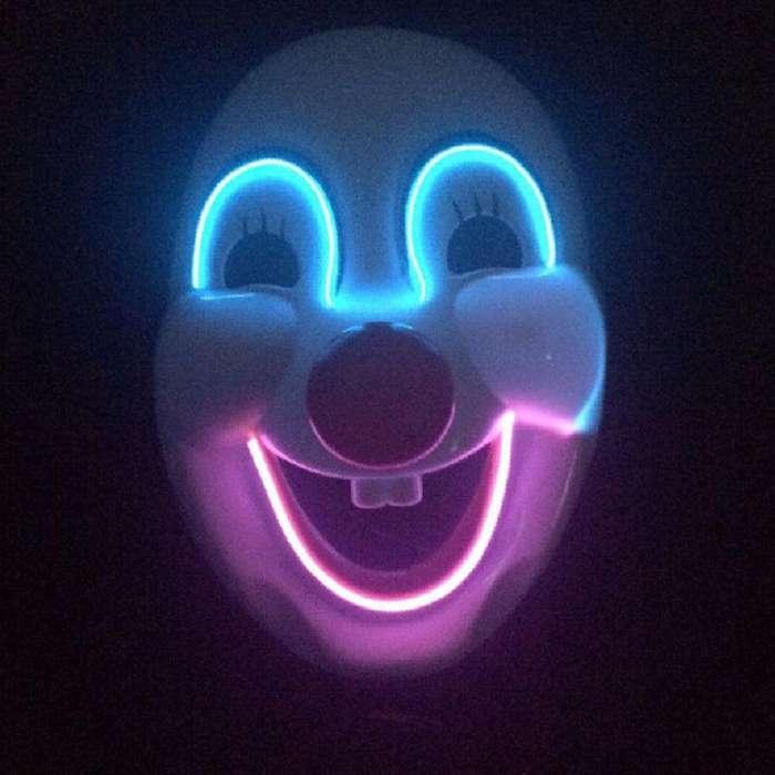 Mascara payaso miedoso en luz led tenebroso terror payasos mimos