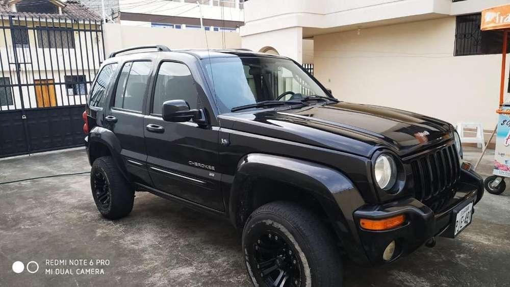 JEEP Cherokee 2004 - 215000 km
