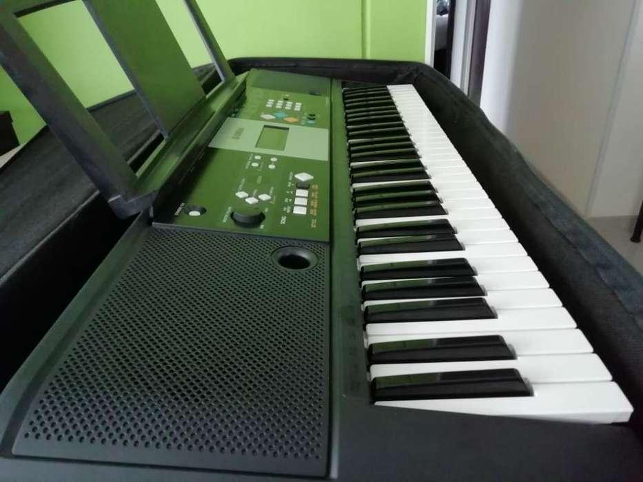 Se Vende Organeta Yamaha