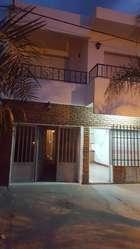 Casa en venta de 2 pisos con 3 dormitorios, 2 baños, garage, living, 2 cocina comedor, patio chico, terraza, dividi
