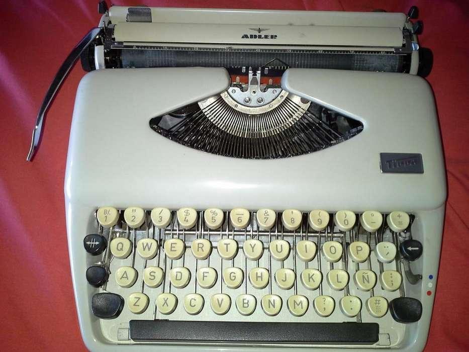 Maquina de Escribir para Viaje Alemana