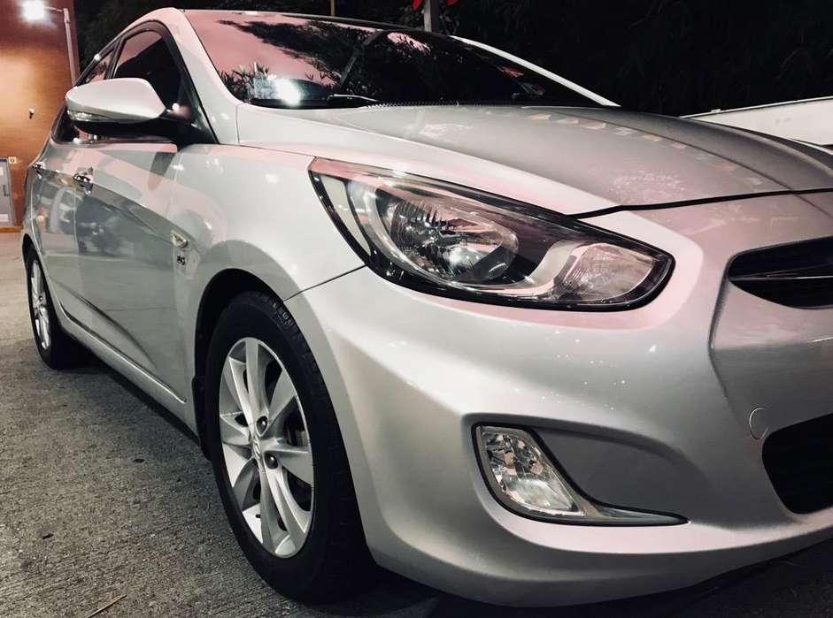 Hyundai i25 2012 - 100000 km