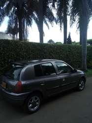 Renault Clio en Cali